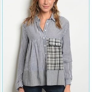 Tops - ♠️♠️Super Cute Grey Stripe Shirt